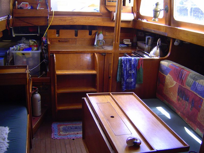 Francis Kinney Pipedream 37 gallery image with filename: franciskinneypipedream37-toroa-companionway.jpg